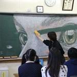 Ezt hagyták maguk után középiskolások az osztályteremben: hihetetlen látvány