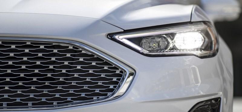 Kémfotókon az új Ford Mondeo kombi