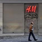 Saját hajánál fogva húzta ki magát a H&M a bajból – Ön is segített nekik, mikor leértékelt ruhát vásárolt