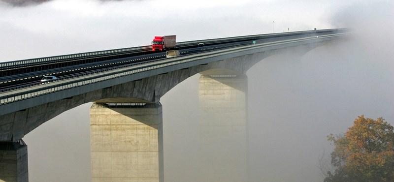 Sokmilliárdos busztendert szakított a nemzet hídépítőjéhez köthető cég