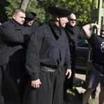 Magyar szélsőjobbos rendezvény miatt áll a bál Romániában