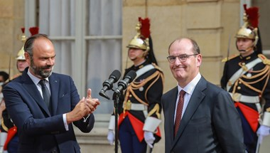 Innen szép nyerni: Macron taktikázik az újabb ciklusáért vívott meccsen