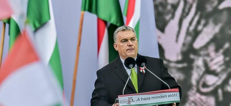 Orbán fenyegetőzött és nemzetközi birodalmakról beszélt a Kossuth téren