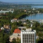 Milliárdokat kért a balatonfüredi önkormányzat a Mészáros Lőrinc által üzemeltetett kemping felújítására