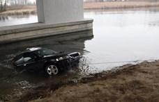 A Dunába csúszott egy autó Dunaharasztinál