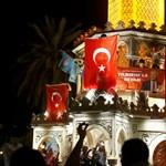 Indul a megtorlás: csaknem 3 ezer bírótól megszabadult Erdogan