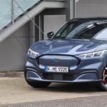 V8 helyett villany: Magyarországon az elektromos Ford Mustang Mach-E, kipróbáltuk