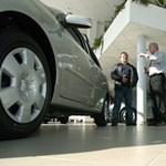 """Májusban már """"csak"""" 52 százalékkal estek az európai új autó eladások"""