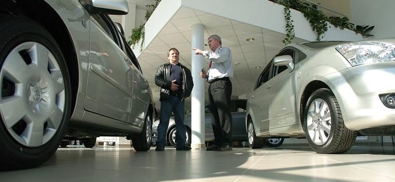 Az új autó felára az értékvesztés – Melyikkel mennyit vesztünk?