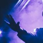 Premier: Nem karantén-dal, de nagyon is 2020-ról szól Frenk új klipje