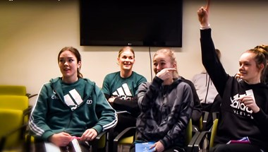 Imádni való, ahogy a győri kézilabdás légiósok magyar nyelvtörőket próbálnak kimondani