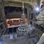 Már senki nem tudja, mennyiért újítják fel az Operaházat, azt sem, mikor nyit