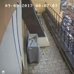 Dugóban araszolt a délutáni csúcs idején felrobbantott autó Kijevben – videó 18+