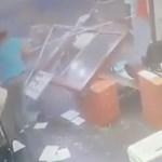 Sorra kerülnek elő a videók a robbanástól halálra rémülő bejrútiakról