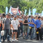 Orbán-demokrácia: megakadályozzák, hogy tüntethessenek a rendőrök?