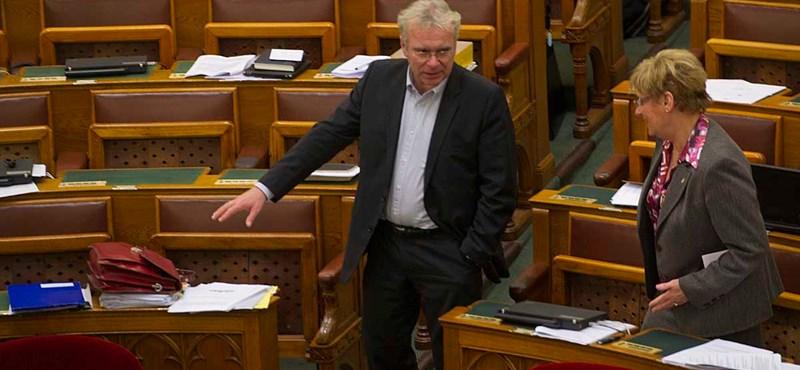 Köznevelési törvény: Pokorni elmondta, miért szavazott nemmel