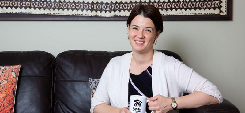 Magyar származású politikust választottak az új-zélandi kormányzópárt élére