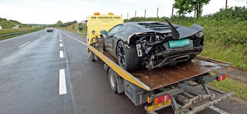 Itt a fotó Dzsudzsák összetört Lamborghinijéről