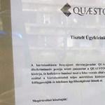 Bepöccentek a Quaestor-dolgozók