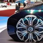 Guruló nappali a Renault önvezető luxus-villanyautója