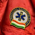 Kiborult egy nyugdíjas a mentőszolgálatra, mert szirénázva mentek életet menteni