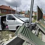 Zajvédő falat döntött ki egy autós – fotók