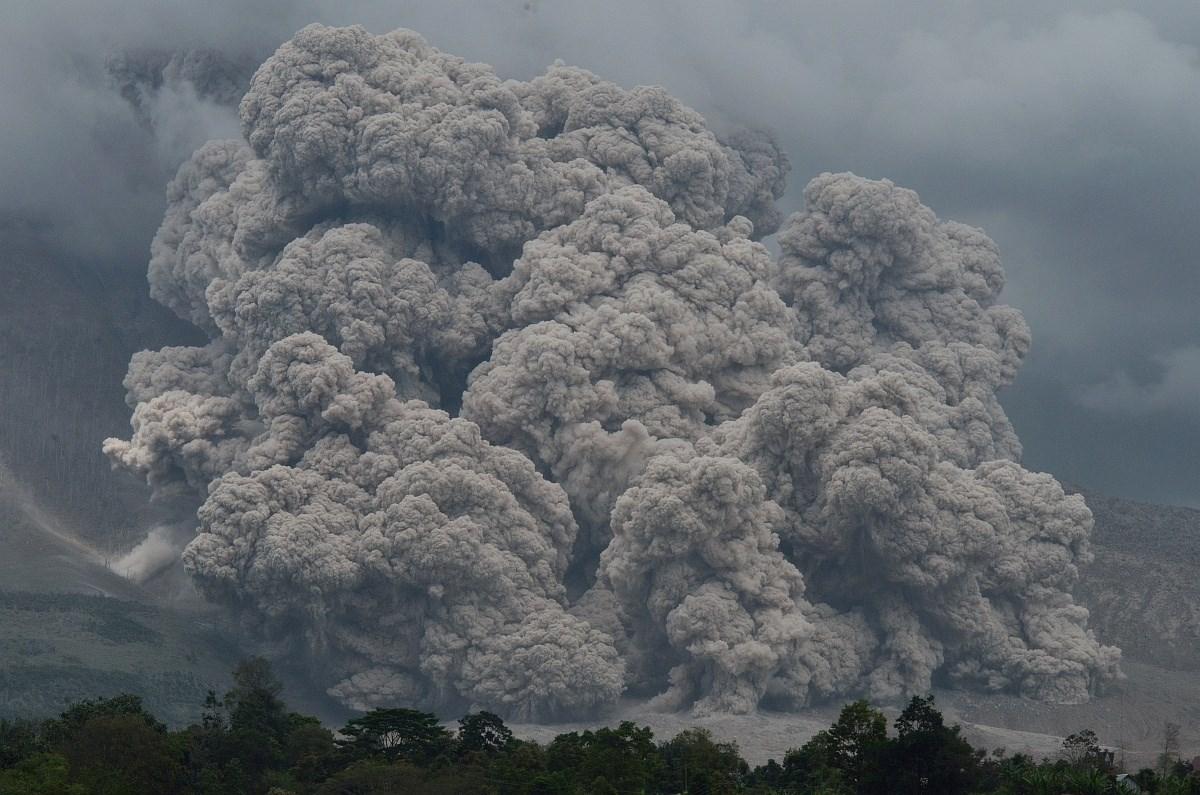 Fizetős körgyűrű és a füstölgő Sinabung - a hét képei - Nagyítás-fotógaléria