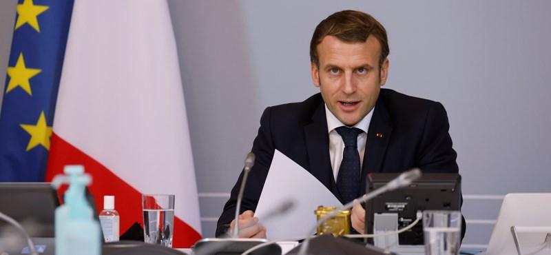 Nyár elejére végigoltanák a francia lakosságot Macron szerint
