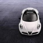 """Levették a """"szemölcseit"""" és a tetejét az Alfa Romeo sportkocsijának"""