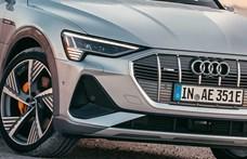 Villanyos kupé divatterepjáróval rukkolt elő az Audi