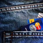Tarolnak az érintéses bankkártyák, kevesebb a csalás