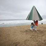 A strandok is megsínylik a rossz időt