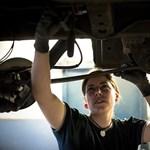 A magyar autósok 15 százaléka otthon szereli az autóját