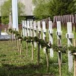 Tiltakozik a kormány az úzvölgyi temetőben történt atrocitások miatt