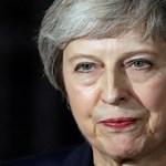 Súlyos vereséget szenvedett a parlamentben a Brexit-szavazás előtt a brit kormányfő