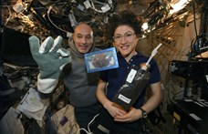 130 perc és rengeteg türelem kellett az első űrkeksz megsüléséhez