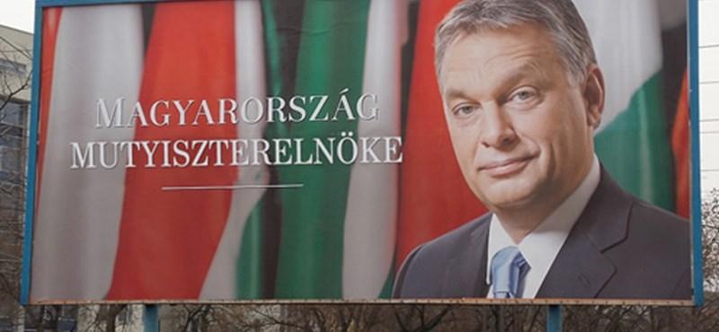 Simicska Magyarország miniszterelnöke – ellepte a netet a plakátos mém