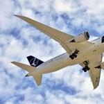 Leszállt Ferihegyen a repülő, amellyel átszállás nélkül lehet majd New Yorkba repülni – videó