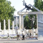 A szélsőfidesz emlékműve