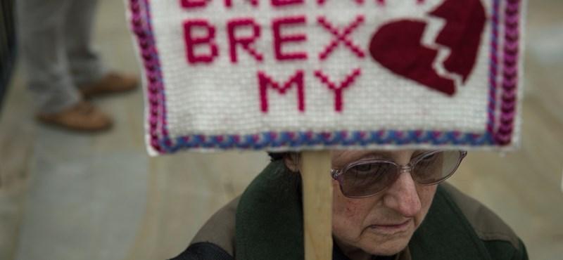 Kiszivárgott jelentés: nagyot buknak a britek a Brexittel