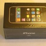 Több mint 2,2 millió forint a bontatlan, első generációs iPhone