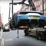 Amikor a lopós autó egy Ferrarit visz el, az azért megér egy misét – videó