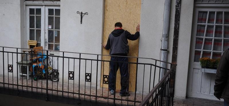 Mindennap 8 család kerül az utcára – pörögnek a kényszerértékesítések