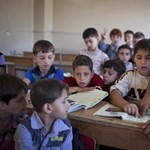 Kétmillió gyerek a semmibe tart, a szíriai iskolák egy része megsemmisült