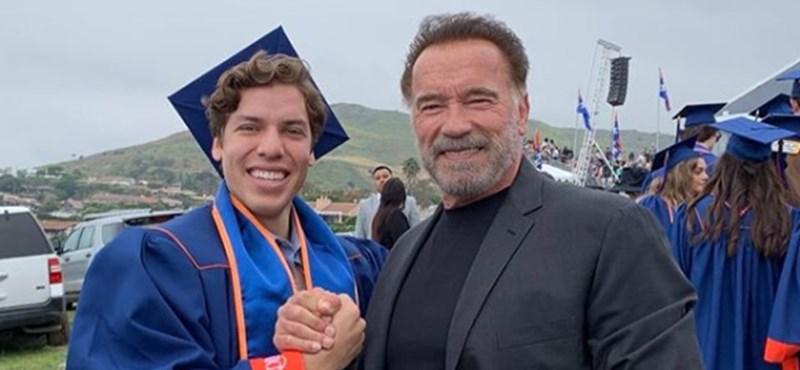 Schwarzenegger fia testépítő akar lenni, megmutatta, hogy az apjára ütött