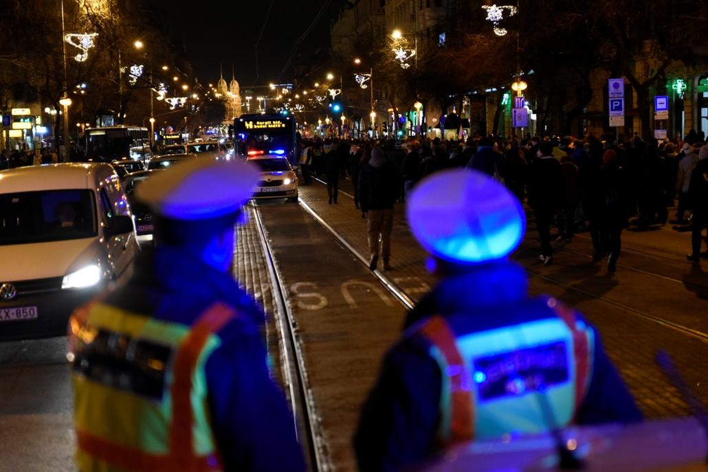 e! 18.12.12. Rabszolgatörvény ellenes tüntetés