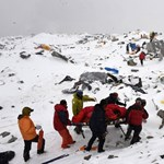 Befellegzett a tavaszi hegymászószezonnak a nepáli földrengés miatt