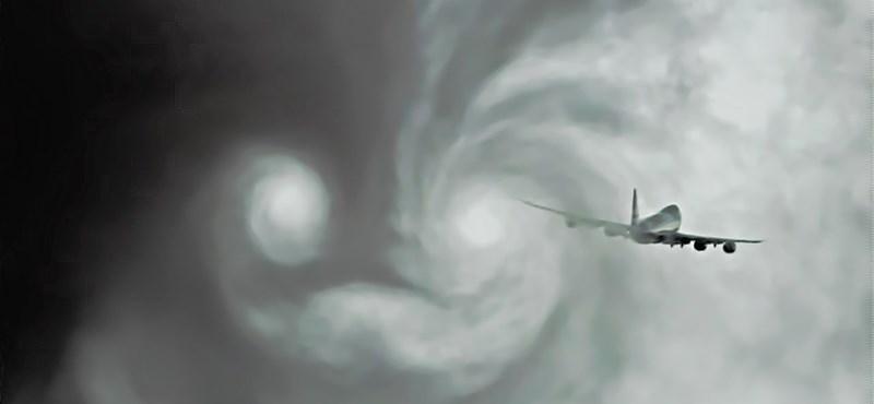 Videó: a chemtrail-hívők meg fognak őrülni ettől a Boeing 747-estől