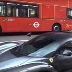Átlagos autófotózásnak indult, majd jött a meglepetés - videó