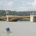 """Orbán, Bajnai, Gyurcsány a gáton: """"visszatetsző, ha valaki túltolja magát"""" – videó"""